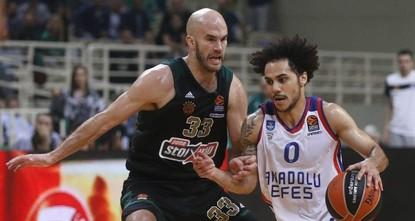 Anadolu Efes takes on Olympiacos in EuroLeague