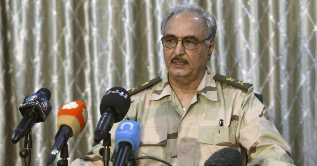 Putschist Gen. Khalifa Haftar speaks during a news conference at a sports club in Abyar, a small town to the east of Benghazi. May 17, 2014. (Reuters File Photo)
