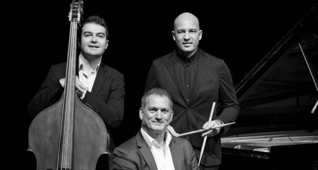 Trio of Kerem Görsev will play on Feb. 20-23 with Alan  Harris, one of America's most powerful vocalists.
