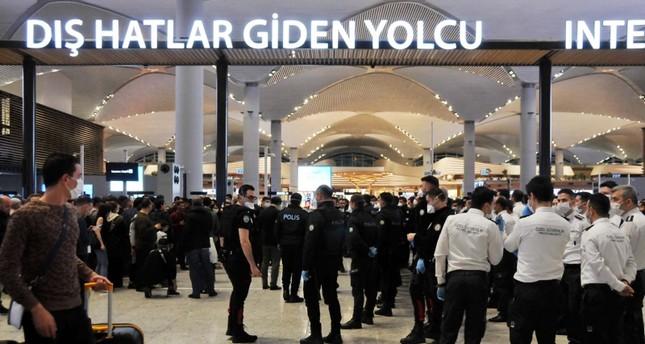 أكثر من ألف جزائري عالقون في مطار إسطنبول