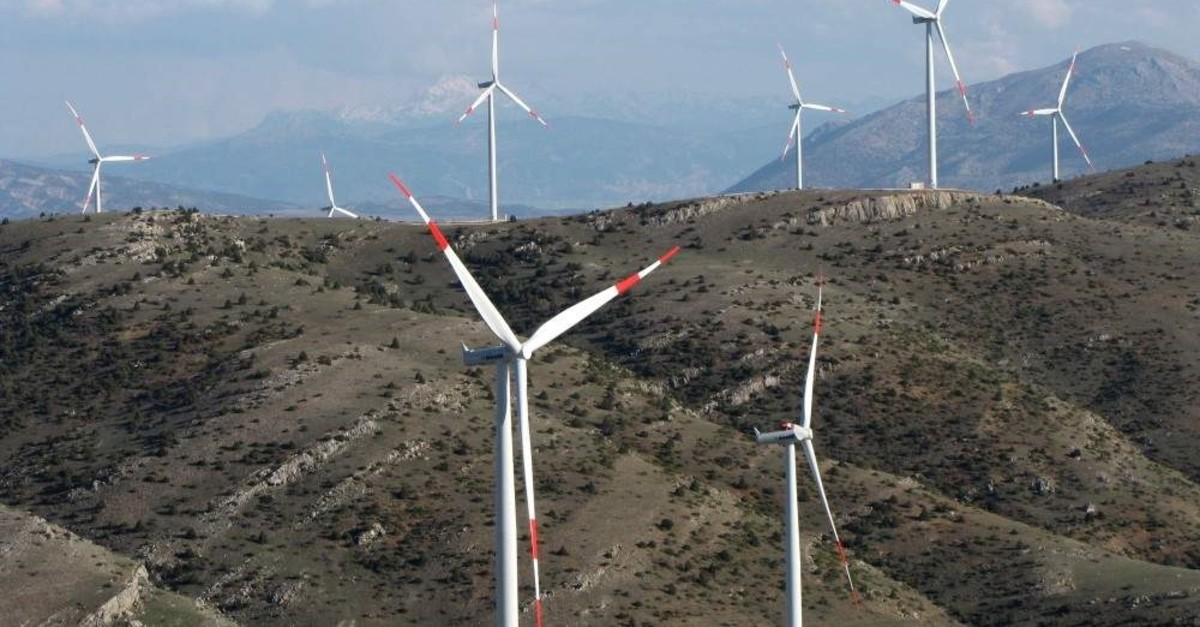 Turkish manufacturer Bayra?mo?lu joined forces with Danish wind turbine manufacturer Resolux Group to produce equipment in Turkey. (AA Photo)