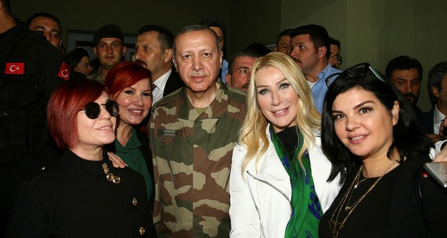 Turkish celebrities meet with soldiers in Hatay to support Afrin operation