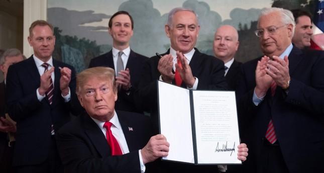 توقيع ترامب قرار اعترافه بضم إسرائيل للجولان السوري المحتل (أرشيفية)