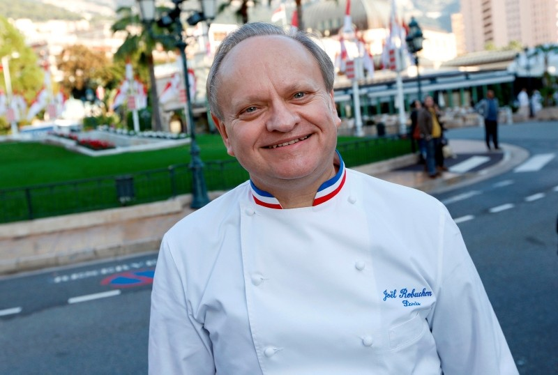 This Nov. 17, 2012 file photo shows French chef Joel Robuchon posing during the festivities marking the 25th anniversary of French chef Alain Ducasse's restaurant ,Le Louis XV,, in Monaco. (AFP Photo)