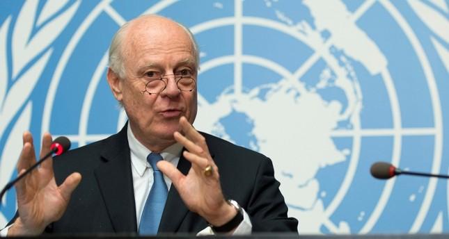 مسؤولون أتراك وروس وإيرانيون يناقشون الدستور السوري الأسبوع القادم
