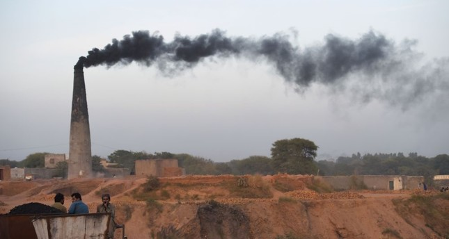 Deadly air pollution shortens lives by nearly 2 years