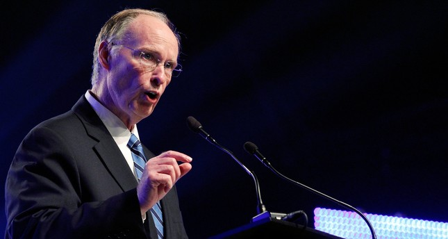 Alabama Governor Robert Bentley speaks during a news conference in Mobile, Alabama, U.S. on July 2, 2012. (REUTERS Photo)
