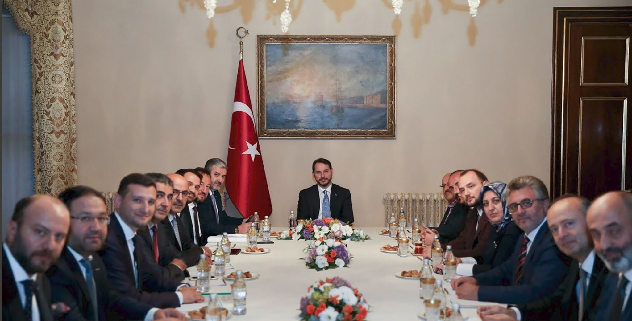 Before the announcement of the MTP, Treasury and Finance Minister Berat Albayrak met with the representatives of some leading Turkish business associations on Tuesday evening.