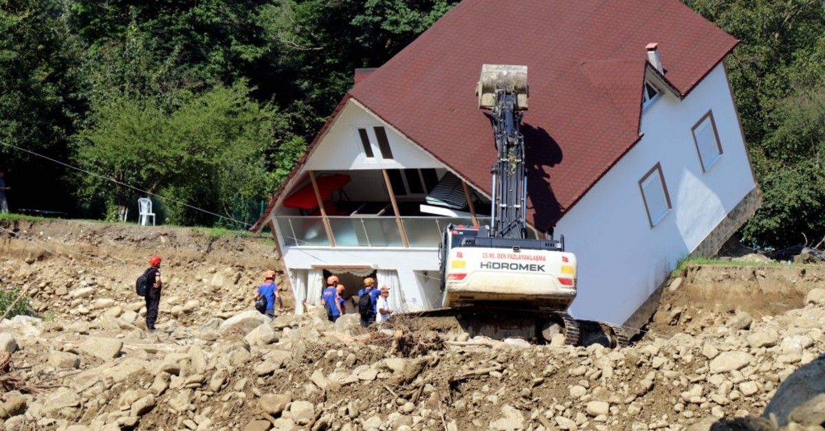 Death toll has risen to five following the flash floods in northwestern Du00fczce province.