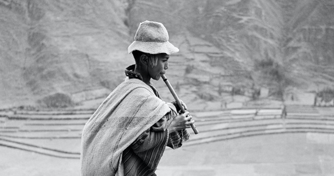 Werner Bischof, u201cOn the road to Cuzco, in the Valle Sagrado of the Urubamba River, Peru, 1954.