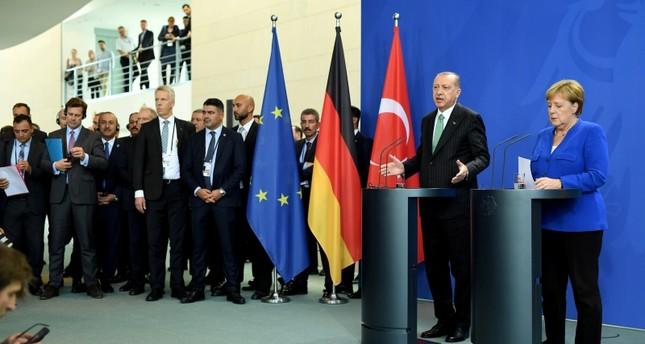 أردوغان: نعمل على الوفاء بالمعايير الأوروبية المتبقية لإعفاء الأتراك من الفيزا