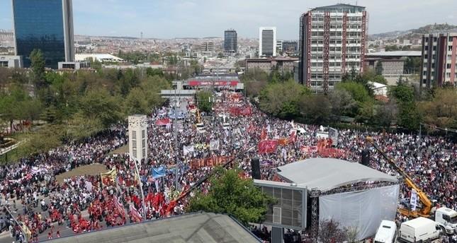 فعاليات في عدة مدن تركية بمناسبة اليوم العالمي للعمال