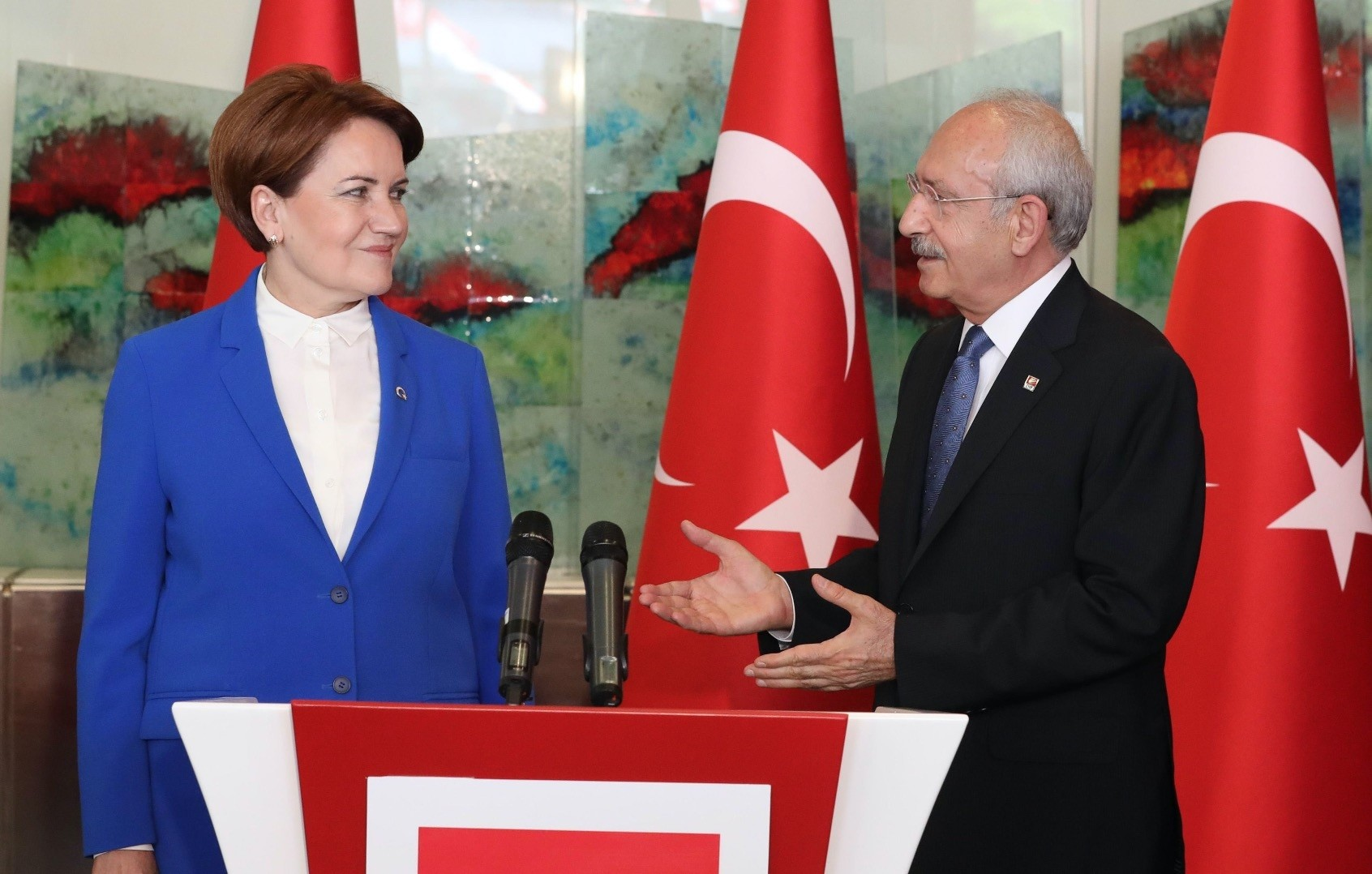 Leader of the main opposition Republican People's Party (CHP) Kemal Ku0131lu0131u00e7darou011flu, with leader and presidential candidate of the opposition Good Party (u0130P), Meral Aku015fener, speak at a meeting at CHP headquarters in Ankara, June 4.
