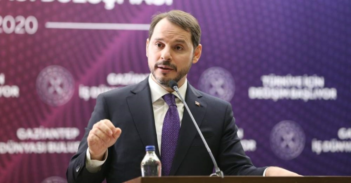 Treasury and Finance Minister Berat Albayrak speaks at the meeting with businesspeople, Gaziantep, Feb. 20, 2020. (AA Photo)