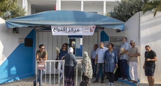 التونسيون يبدؤون التصويت في ثاني انتخابات رئاسية بعد ثورة يناير 2011