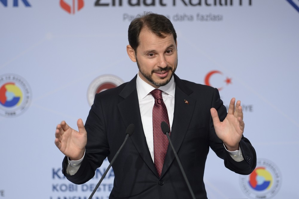 Treasury and Finance Minister Berat Albayrak delivers a speech at the Small and Medium-Sized Enterprises (SME) Support Credit meeting in Istanbul, Aug. 31.