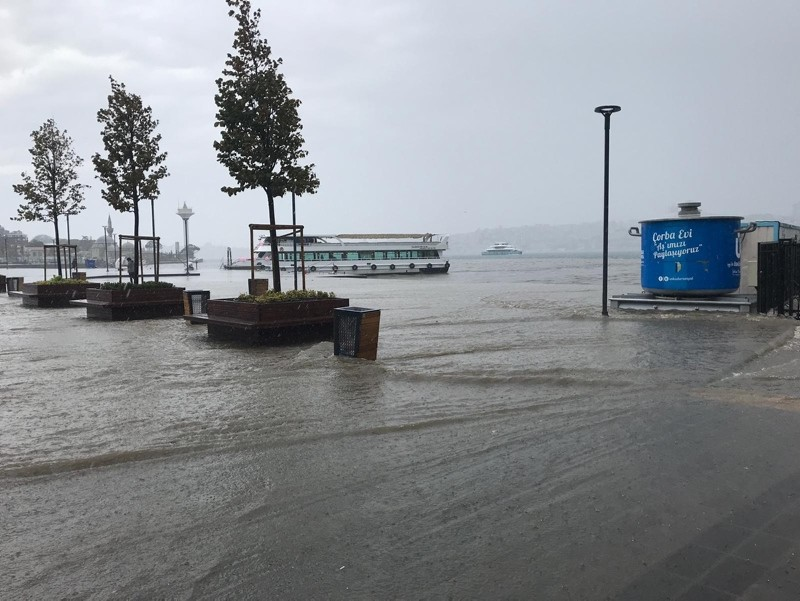 heavy downpours affect istanbul ferries canceled 1566040840062.