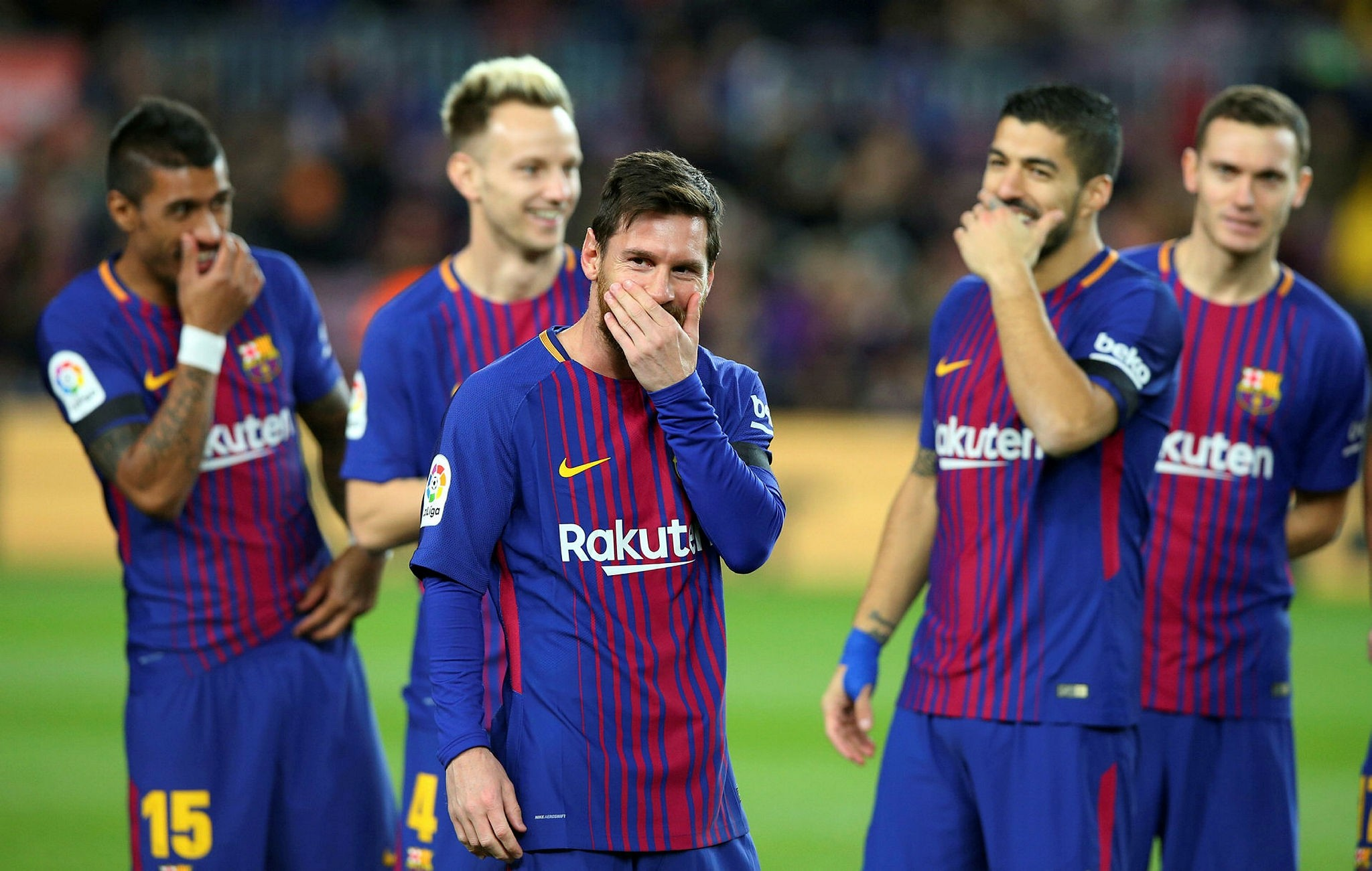 Barcelonau2019s Lionel Messi and team mates before the match in Camp Nou, Barcelona, Spain, December 17, 2017 (Reuters Photo)