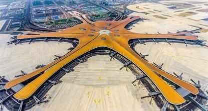 Nach nur 4 Jahren: Mega-Flughafen in Peking eröffnet
