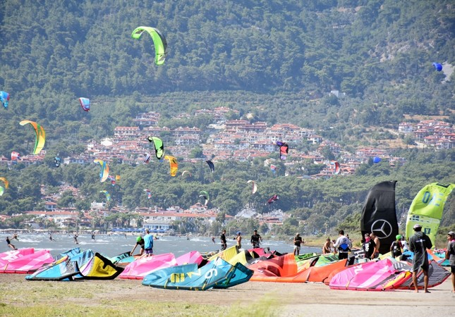 Muğla's Akçapınar: Rising hot spot for windsurfing athletes