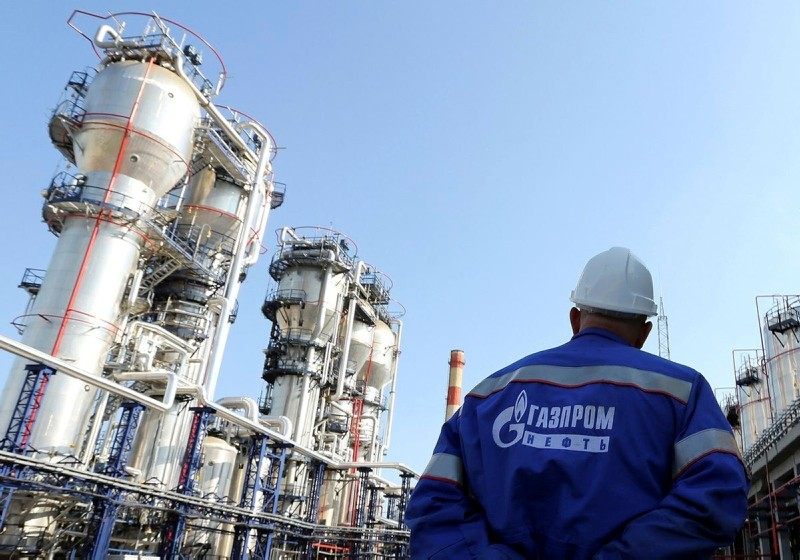 A Gazprom employee stands near to the new bitumen processor at the OAO Gazprom Neft oil refinery in Moscow, Russia, on Thursday, Sept. 20, 2012. (Photo: Andrey Rudakov/Bloomberg)