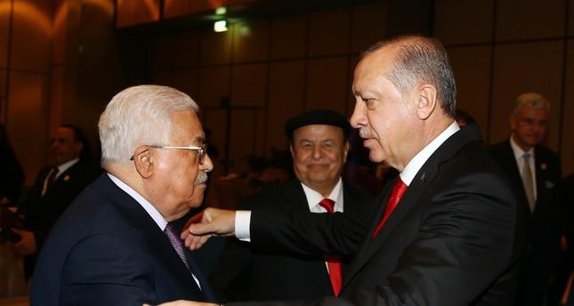 أردوغان يهاتف عباس للاطمئنان على وضعه الصحي