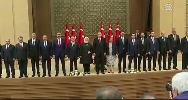 أردوغان يعلن تشكيلته الوزارية الجديدة ونائبه فؤاد أوكتاي
