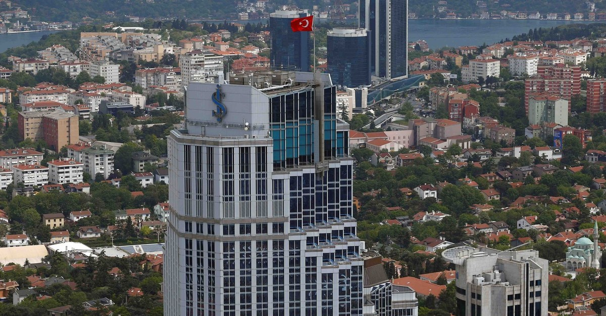 Headquarters of u0130u015f Bank is pictured in Istanbul, Turkey May 3, 2016. (Reuters Photo)