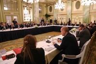 أردوغان يشارك في اجتماع دائرة مستديرة حول الاقتصاد بالعاصمة الأمريكية واشنطن (الأناضول)