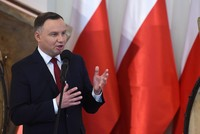 Polens Präsident Andrzej Duda hat am Dienstag zahlreiche Mitglieder der Regierung entlassen und Nachfolger nominiert. Unter den Entlassenen sind auch Schlüsselfiguren der rechtskonservativen...