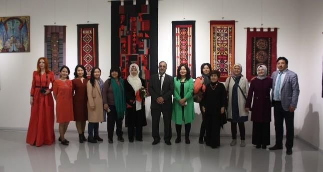 بمشاركة 9 دول.. إسطنبول تحتضن معرض فنانات العالم التركي