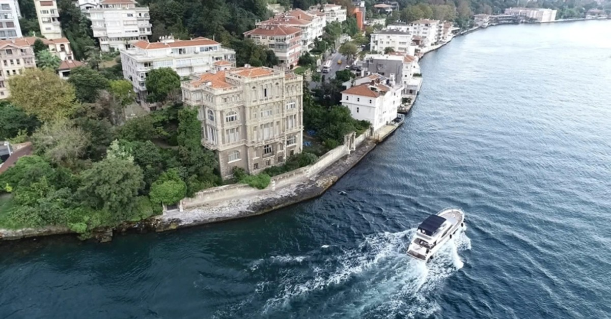 The mansion offers a scenic view of the Bosporus, whose shores host dozens of waterfront mansions. (DHA Photo)