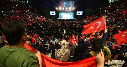 pPrime Minister Binali Yıldırım addressed to a crowd of 10,000 Turks at the city of Oberhausen at the German state of North Rhine-Westphalia on Saturday, asking for their support in the upcoming...