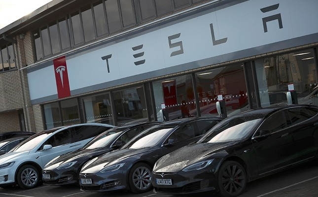 A Tesla dealership is seen in West Drayton, just outside London, Britain, Feb. 7, 2018. (Reuters Photo)
