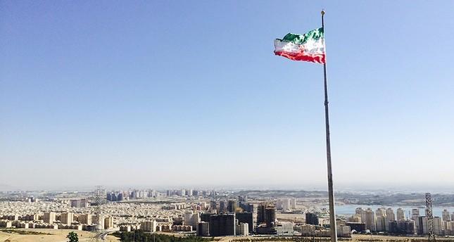 نواب إيرانيون يطالبون خامنئي بدعم خطة نقل العاصمة بعد تجاهل روحاني