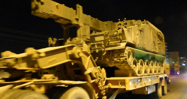 الجيش التركي يرسل دبابات ومدافع إلى الحدود مع سوريا