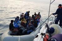 173 irregular migrants held in western İzmir