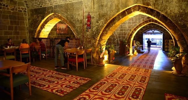 خان باشان الأثري في مدينة بيتليس شرق تركيا الأناضول