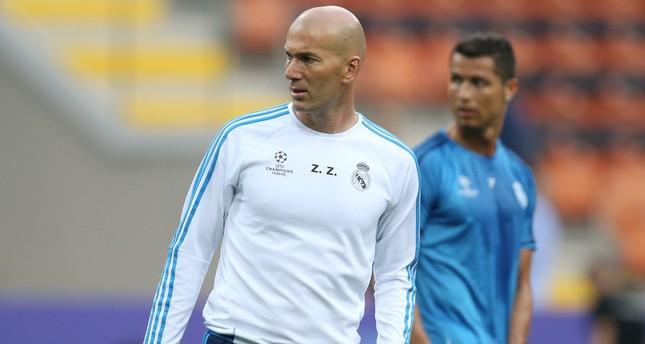 Zidane set to join Ronaldo at Juventus