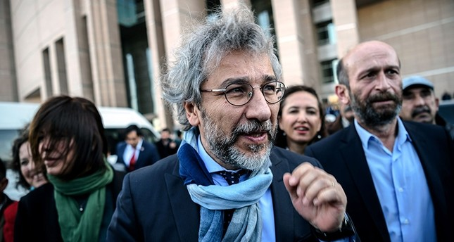 This file photo taken on April 01, 2016, shows Can Dündar arriving at the Istanbul courthouse for his trial. (AFP Photo)