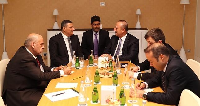 جاوش أوغلو يلتقي رياض حجاب ويجدد دعم تركيا للمعارضة السورية