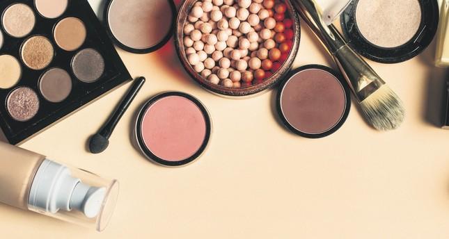 Bronze glow: Summertime makeup essentials
