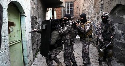 pIn einer Woche wurden insgesamt 53 PKK-Terroristen getötet und 185 Daesh-Terroristen festgenommen, gab am Montag das Innenministerium in einer Erklärung bekannt./p  pDer Erklärung zufolge haben...