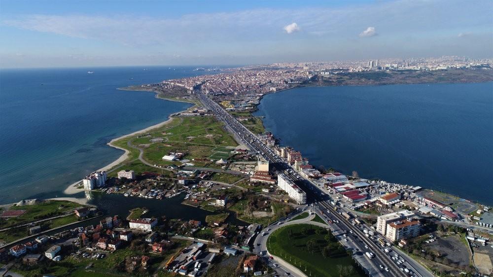 The 45-kilometer (nearly 28 miles) Canal Istanbul, to be built in the city's Ku00fcu00e7u00fcku00e7ekmece-Sazlu0131dere-Durusu corridor, is to boast a capacity of 160 vessels a day.