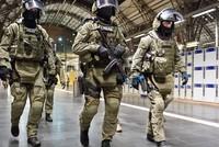 In einer nächtlichen Übung auf dem Frankfurter Hauptbahnhof trainieren Bundespolizei, Frankfurter Polizei und Feuerwehr heute Abend den Einsatz im Fall eines Terroranschlags.  Bei der Übung mit...