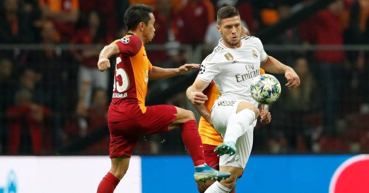 Real Madrid's Luka Jovic in action alongside Galatasaray's Yuto Nagatomo, Istanbul, Oct. 22, 2019. (Reuters Photo)