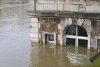 Almost 1,500 evacuated in Paris region as Seine rises