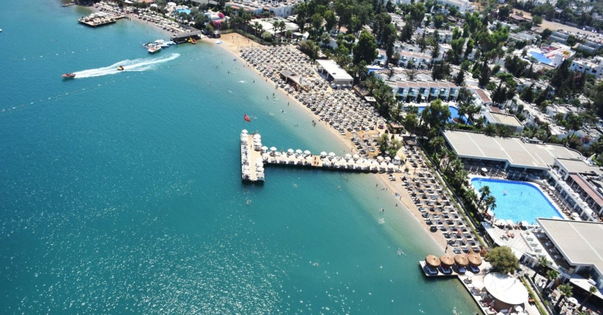The resort provinces of Antalya and Muu011fla particularly enjoyed an influx of local and foreign tourists during the Qurban Bayram holiday.