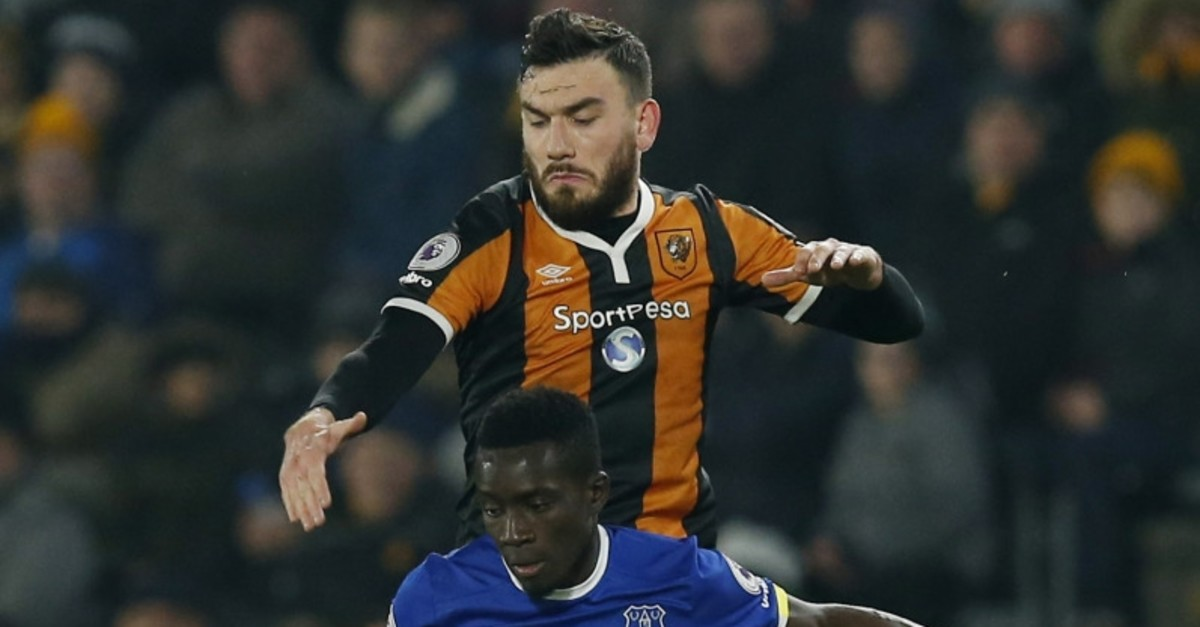 Everton's Idrissa Gueye in action with Hull City's Robert Snodgrass, Dec. 30, 2016.