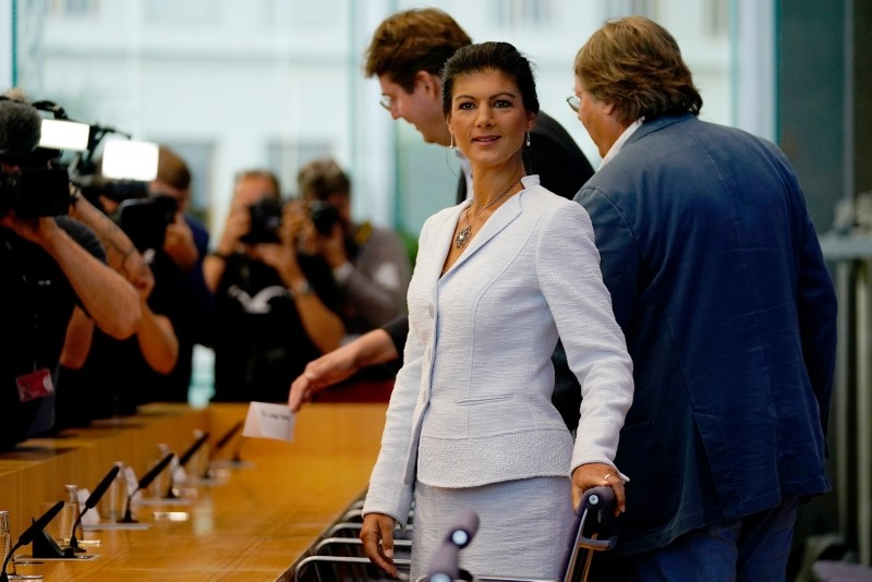 Sahra Wagenknecht (2-R), chairwoman of The Left (Die Linke) party in the German 'Bundestag' parliament, takes her seat for the founding press conference of the movement u2018Aufstehenu2019 in Berlin, 04 September 2018. (EPA Photo)